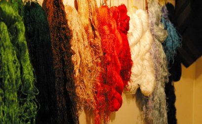 verschiedenfarbige Wolle für Teppichreparatur und Teppichrestauration